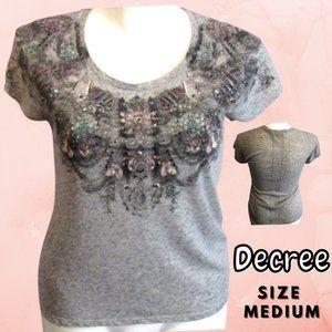 Decree Women's Grey T-shirt Size Medium